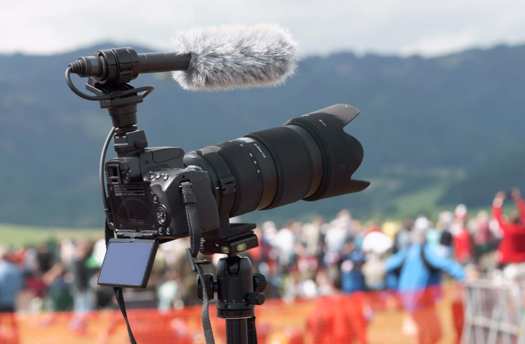 INSTA-VIDEO recrute CHRONIQUEUSE WEB